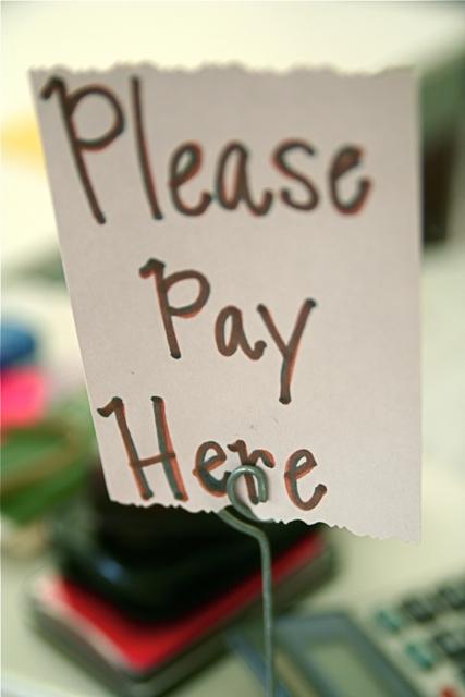 Bitte hier bezahlen. Foto: stevendepolo
